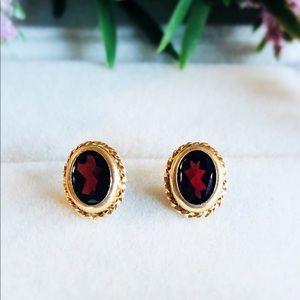 10K Yellow Gold Vintage Oval Garnet Earrings